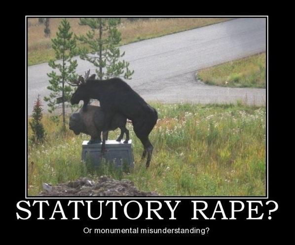hij verkracht een standbeeld..
