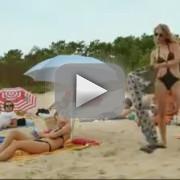 Dames onder elkaar – Rivaliteit op het strand