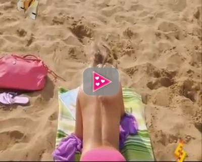 Ballen op het strand