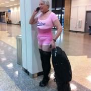 Nee schat, ik weet niet waar je roze ondergoed en je zwarte kousen zijn